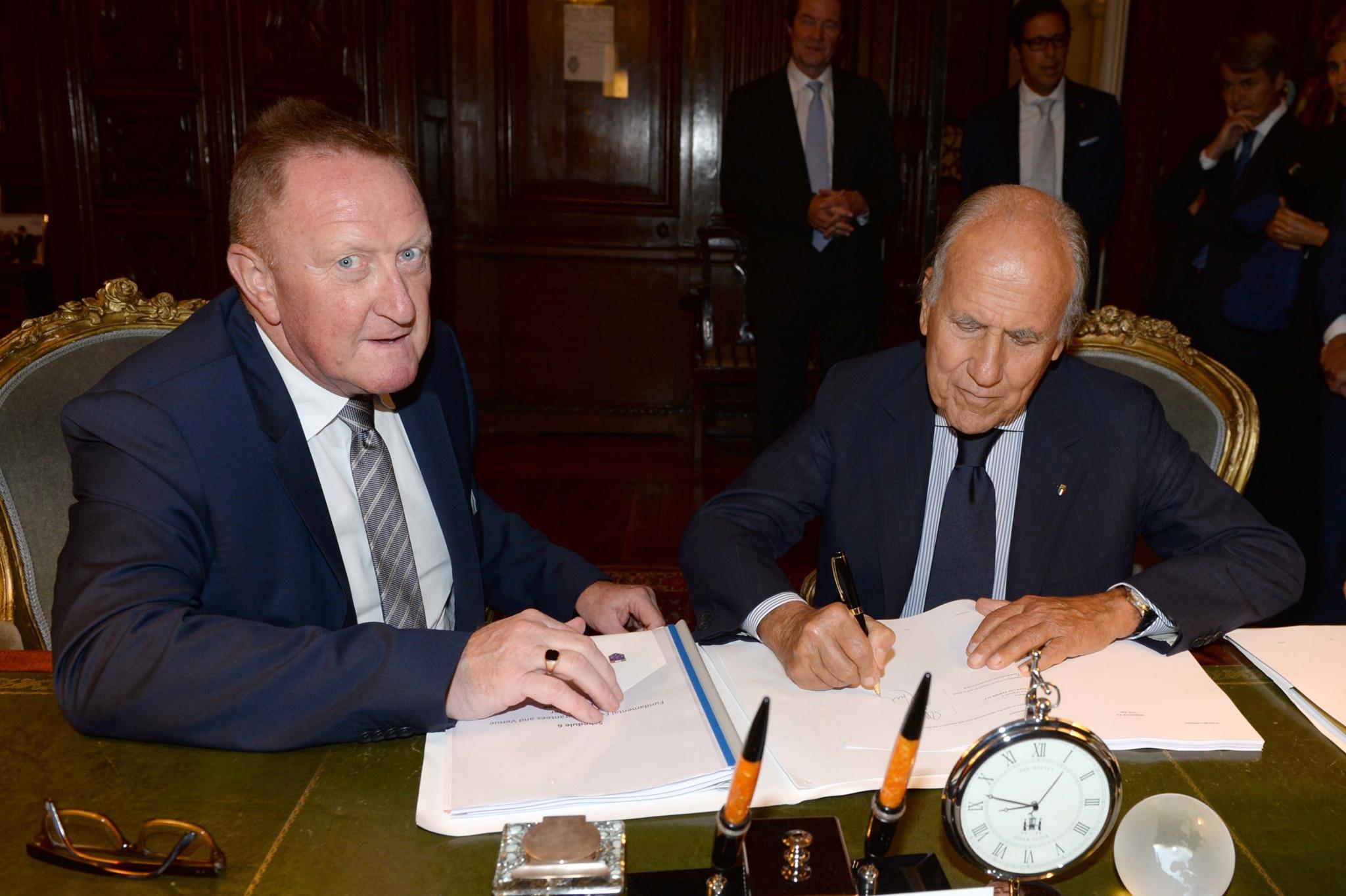 Richard Hills, direttore della Ryder Cup, con Franco Chimenti, presidente Fig, durante la presentazione della candidatura di Roma per la Ryder Cup 2022. L'italia sarà il terzo paese dell'Europa continentale dopo la Spagna (Valderrama 1997) e la Francia (Parigi 2018) ad ospitare la biennale sfida tra Europa e Stati Uniti