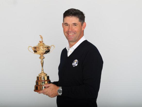 Padraig Harrington, capitano della squadra europea di Ryder Cup, fotografato con l'inconfondibile trofeo d'oro